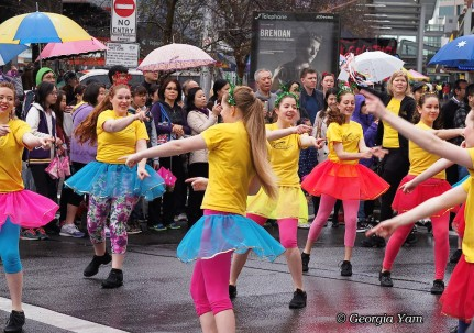 yellow dancers parade