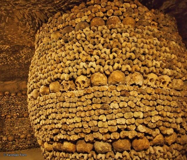 skull and bone sculpture catacombs